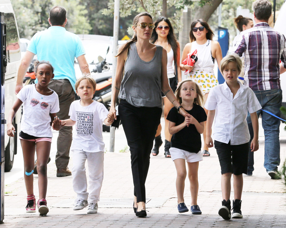 Angelina Jolie and the kids go shopping for books - Part 2 **USA ONLY**