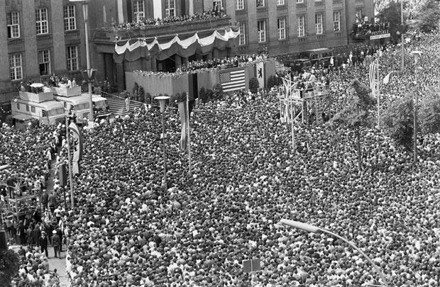 1963-jfk-berlin_1837950i