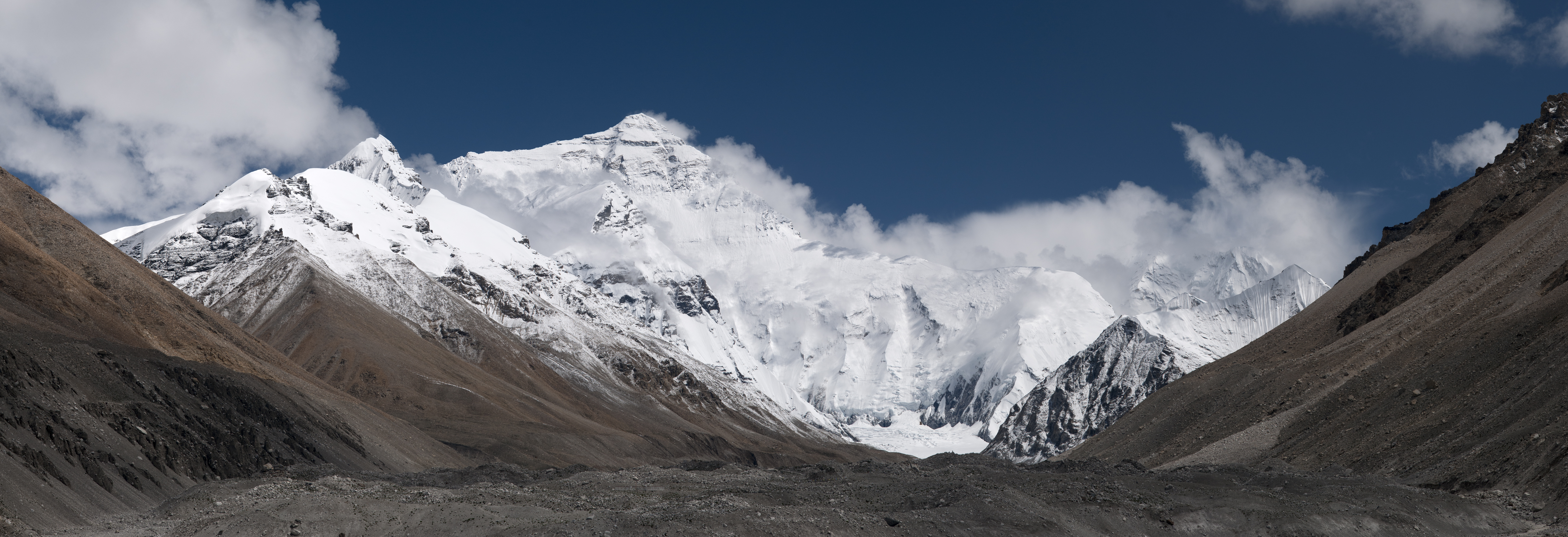 20110810_North_Face_of_Everest_Tibet_China_Panoramic