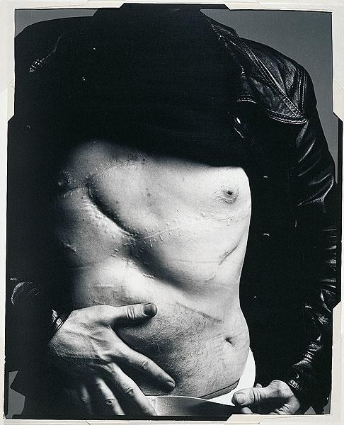 Andy-Warhol-by-Richard-Avedon-via-After-Warhol-was-shot-in-1968, Andy Warhol, Άντι Γουώρχολ, Όταν πυροβόλησαν τον Andy Warhol, ΤΟ BLOG ΤΟΥ ΝΙΚΟΥ ΜΟΥΡΑΤΙΔΗ, nikosonline.gr, Nikos On Line