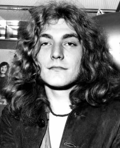 Σαν σήμερα , Κάρολος Δαρβίνος,  Πιότρ Τσαϊκόφσκι, Ράινχολντ Μέσνερ, Ρόμπερτ Πλαντ [Led Zeppelin], Νικόλας Άσιμος, Λεωνίδας Σαμπάνης…..