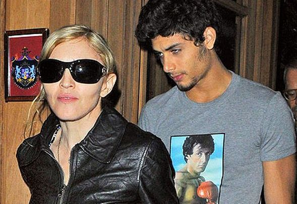 madonna-and-jesus-pic-splash-761790673