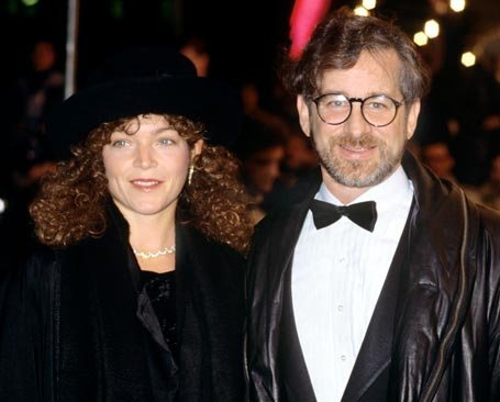 Steven_Spielberg_and_Amy_Irving_100_million