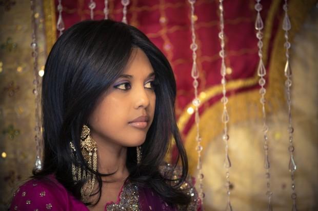indian-girl-at-wedding-155-620x413
