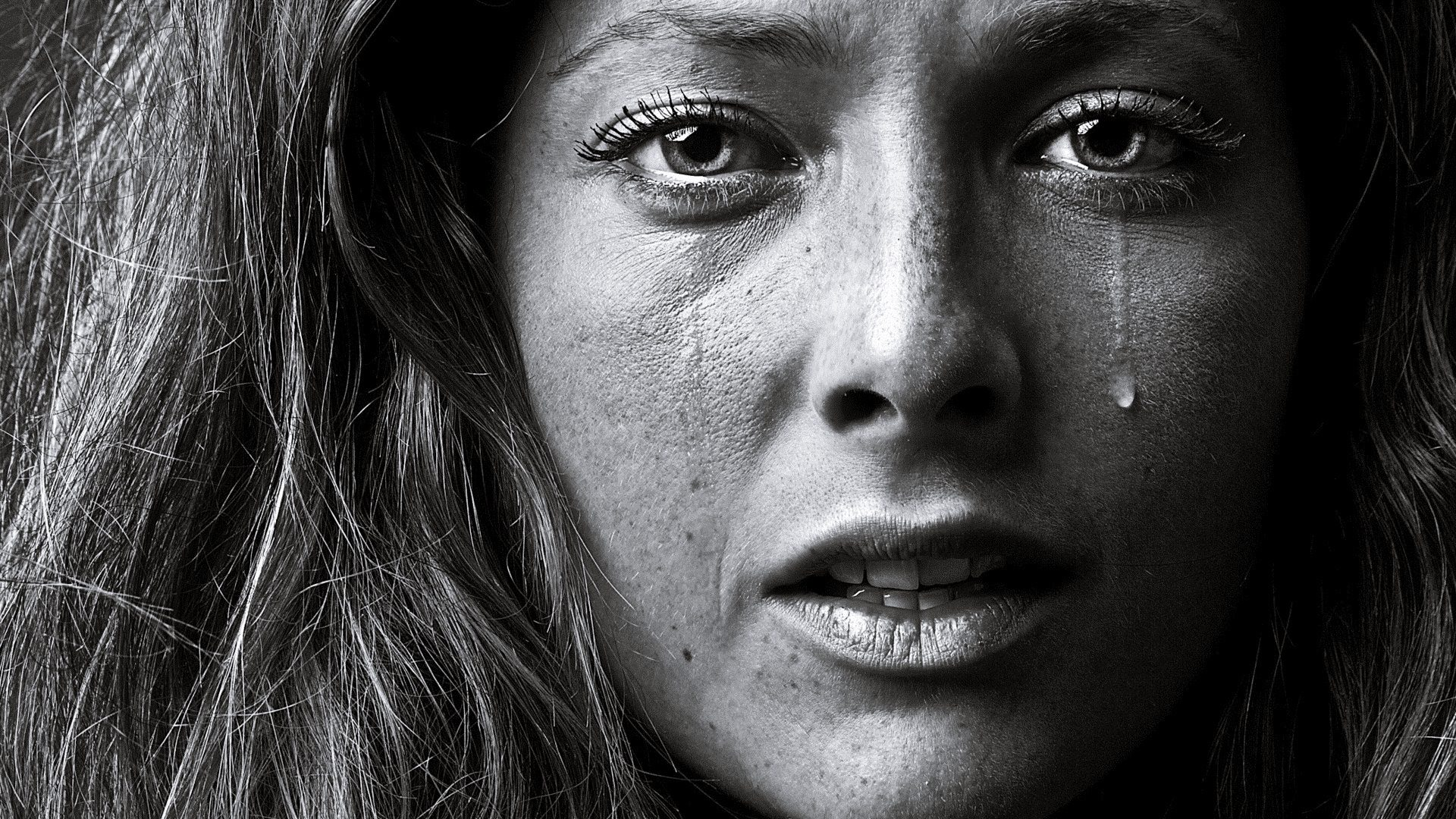Crying-Women-Portrait-Images