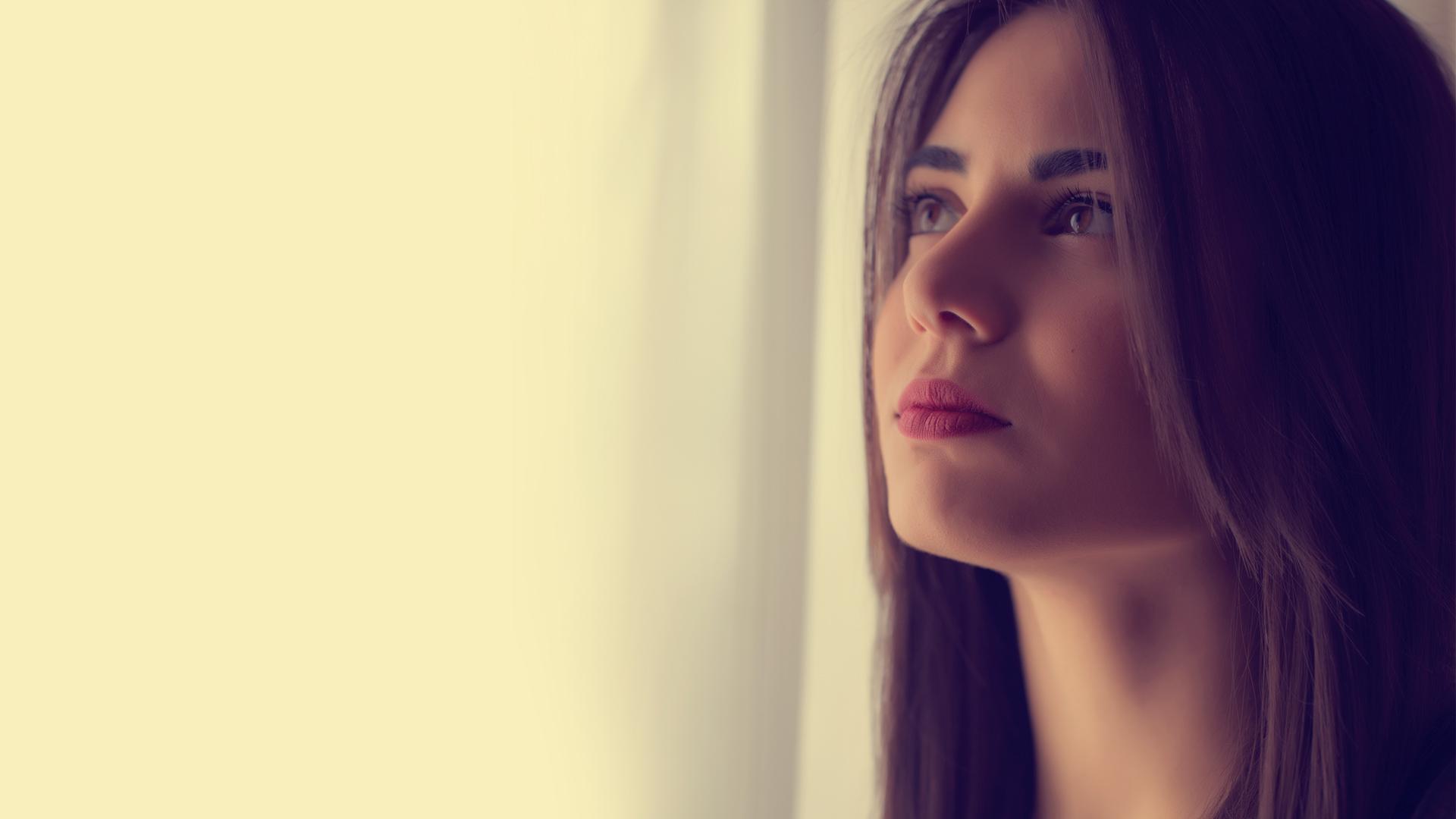 Sofia Manousaki - Eisai Ena Oplo - YOUTUBE-CLEAN
