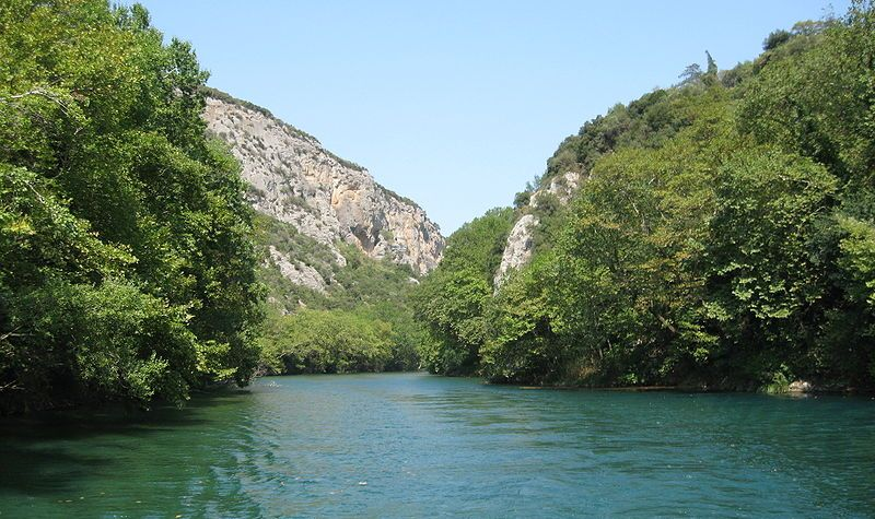 800px-Pineios_River_(Thessaly)_through_the_Vale_of_Tempe