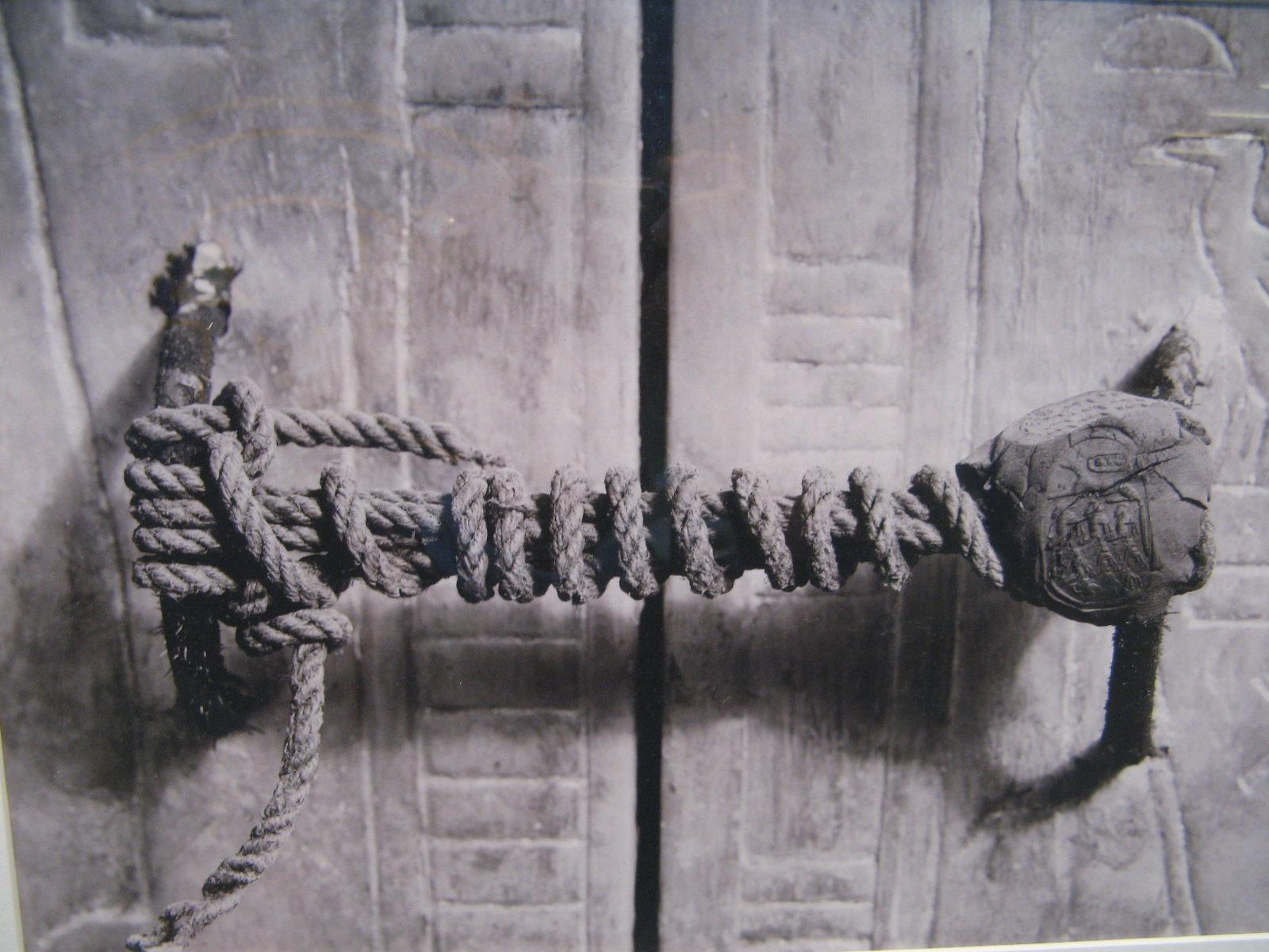 rope-tomb