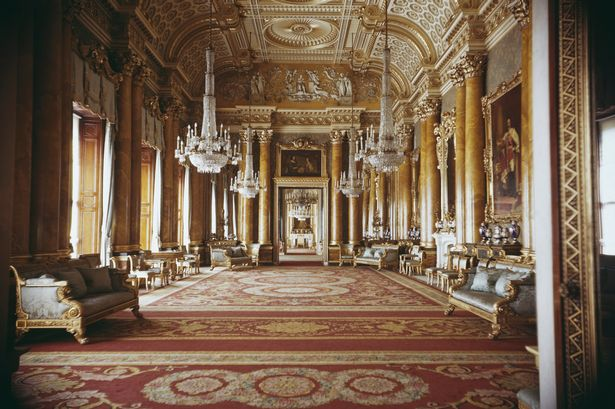 The-Blue-Drawing-Room-inside-Buckingham-Palace-in-1963