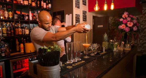 gin tube, Bar, Uk