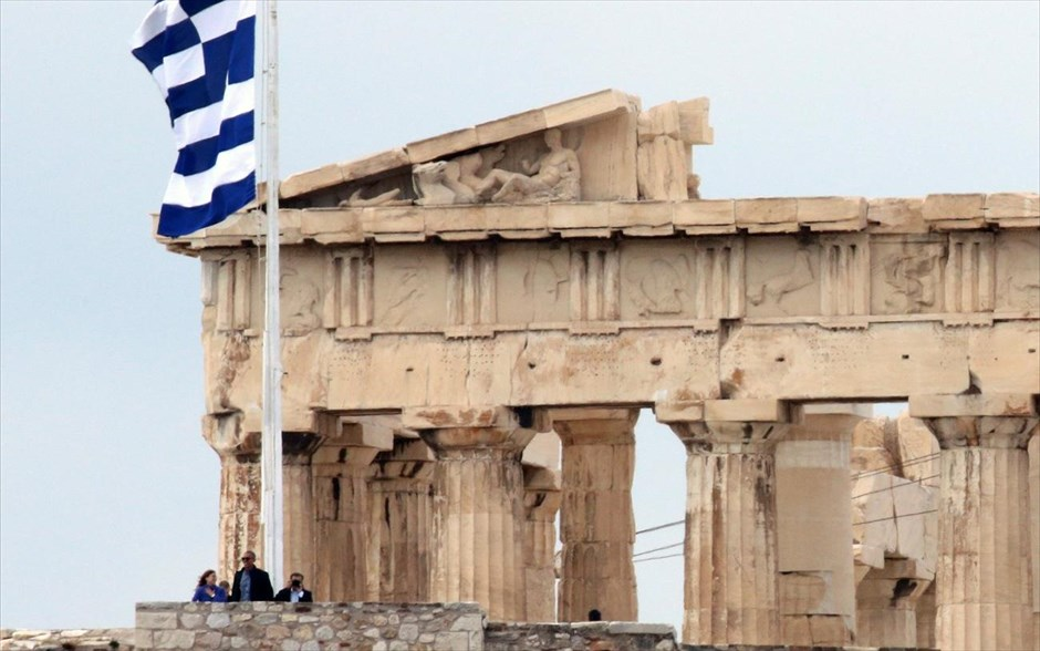mparak-ompama-akropoli