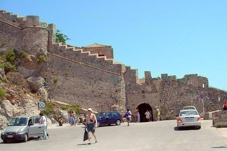 Μονεμβασιά, Παλιά πόλη, Κάστρο