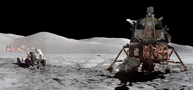 Apollo 11, Moon