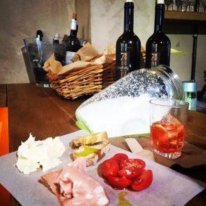 Drupes & Drips, spritz, Κουκάκι, Αρτέμης Παπαδόπουλος, καφέ, κρασί, Ιταλία, nikosonline.gr