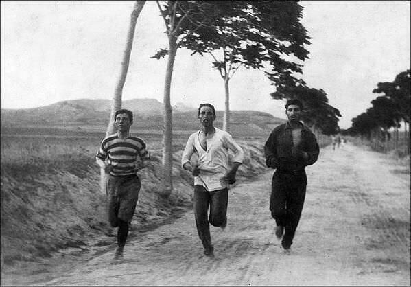 1896: Οι Μαραθωνοδρόμοι στην αναβίωση των Ολυμπιακών αγώνων στην Αθήνα !
