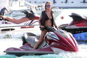 Celebrities in Greece, Greek Holidays, Diakopes, Greece is back, Lebron James, nikosonline.gr
