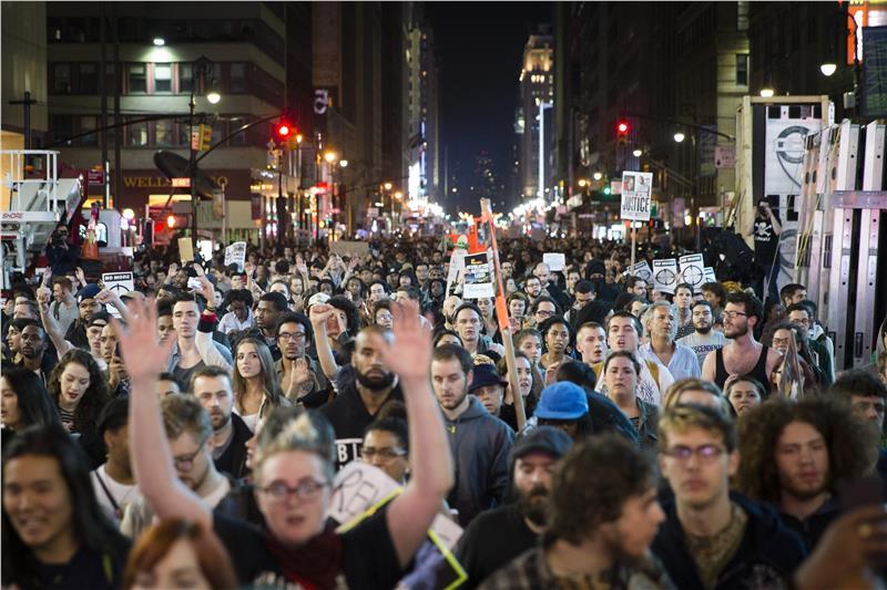 20093913_Ferguson_Nationwide_Protests_JPEG_06a6a_limghandler