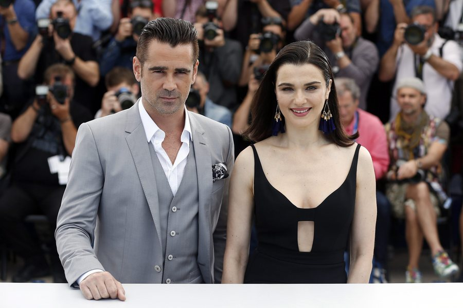 epa04749273 Irish actor Colin Farrell (L) and British actress Rachel Weisz (R) pose during the photocall for 'The Lobster' at the 68th annual Cannes Film Festival, in Cannes, France, 15 May 2015. The movie is presented in the Official Competition of the festival which runs from 13 to 24 May. EPA/GUILLAUME HORCAJUELO