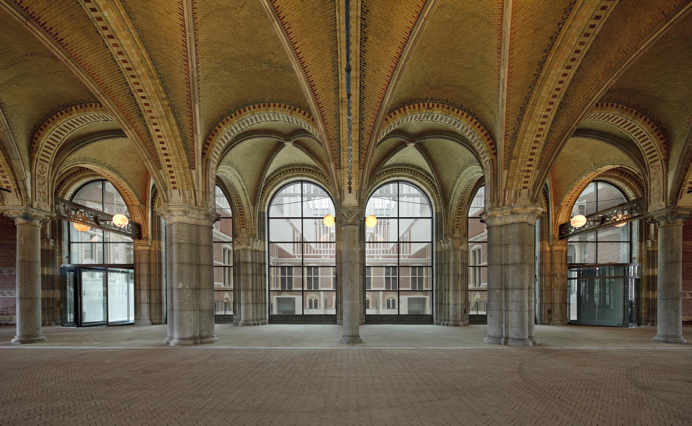 Rijksmuseum-passageway