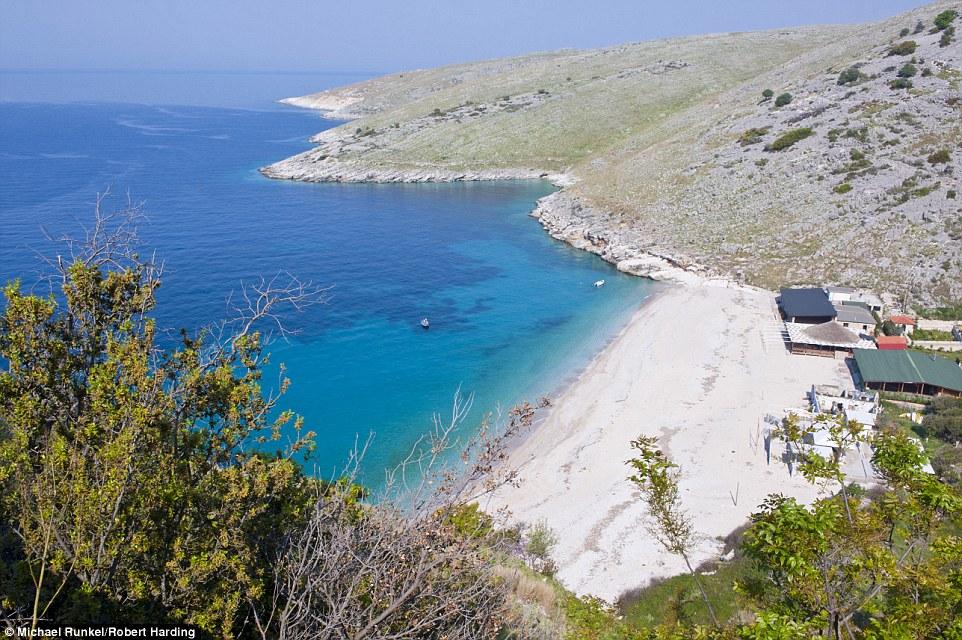 himara_beach