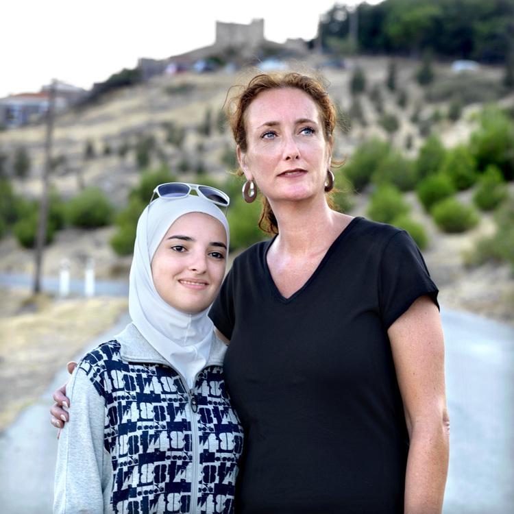 Η 20χρονη Σουχάιλα από τη Συρία και η 45χρονη Πέτρα από την Ολλανδία
