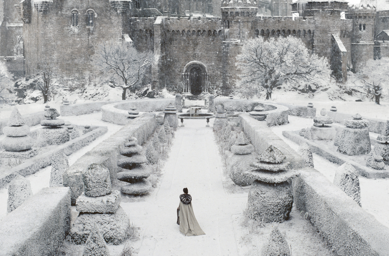 Snow White?s mother (LIBERTY ROSS) tours her royal garden in the epic action-adventure ?Snow White and the Huntsman?, the breathtaking new vision of the legendary tale from the producer of ?Alice in Wonderland?.