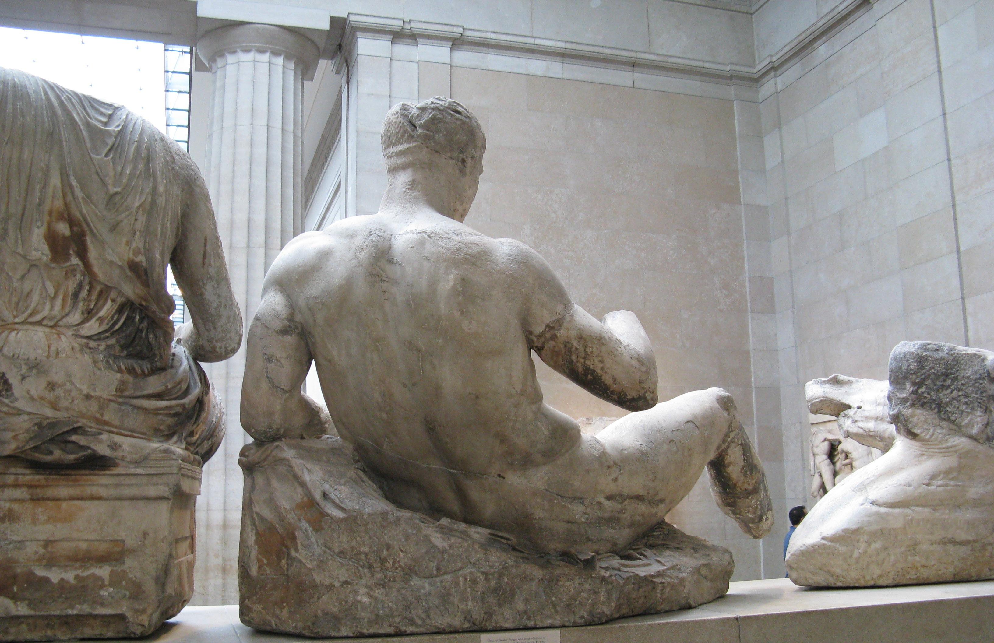 Dionysos_pediment_Parthenon-British_Museum-3