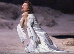 Isabelle Huppert, Ιζαμπέλ Ιπερ, Θέατρο
