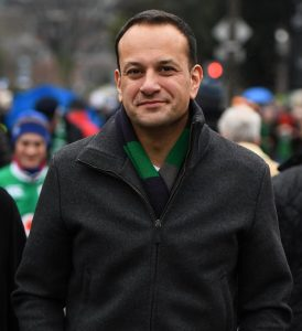 Νεαρός, ομοφυλόφιλος, μιγάς, Leo Varadkar, Λιο Βαραντκαρ, Ιρλανδός, Ινδός, πρωθυπουργός, nikosonline.gr