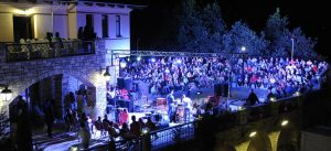6ο KAZARMA music festival, Λίμνη Πλαστήρα, Kazarma Lake resort & spa, Julie Massino, Αντρέας Λάμπρου, Νίκος Μουρατίδης, Θάνος Καλλίρης, nikosonline.gr