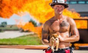 2018 η χρονιά του σκύλου, ΠΥΡΟΣΒΕΣΤΕΣ, ΑΥΣΤΡΑΛΙΑ, FIRE MEN, AUSTRALIA, YEAR OF THE DOG, CALENDAR, ΗΜΕΡΟΛΟΓΙΟ, Γυμνοί πυροσβέστες, ΕΤΟΣ ΣΚΥΛΟΥ, nikosonline.gr