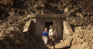 Ο τάφος του Tutankhamun, Howard Carter, TV SERIES, MAX IRONS, ΤΗΛΕΟΠΤΙΚΗ ΣΕΙΡΑ, ΤΟΥΤΑΝΓΧΑΜΟΝ, ΜΑΞ ΑΪΡΟΝΣ, nikosonline.gr