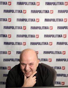 ΝΙΚΟΣ ΜΟΥΡΑΤΙΔΗΣ, NIKOS MOURATIDIS, RADIO, PARAPOLITIKA FM 9O,1, PERIODIKO PEZODROMIO, ΠΕΖΟΔΡΟΜΙΟ, ΡΑΔΙΟΦΩΝΟ, nikosonline.gr