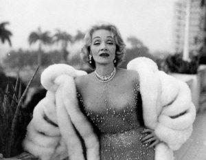 αμφίφυλη, σταρ, Marlene Dietrich, BISEXUAL, ΑΜΦΙΦΥΛΗ, ΛΕΣΒΙΑ, ΣΤΑΡ, ΒΑΜΠ, ΤΟ BLOG ΤΟΥ ΝΙΚΟΥ ΜΟΥΡΑΤΙΔΗ, nikosonline.gr