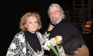 Περαστικά στην Γκέλυ Μαυροπούλου, ηθοποιός, θέατρο, ελληνικός κινηματογράφος, νοσοκομείο, Gelly Mavropoulou, υγεία, nikosonline.gr