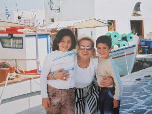 Ευαγγελία Δομάζου, Η μαμά μου, Βίκυ Μοσχολιού, Μίμης Δομάζος, Vicky Moscholiou, family album, nikosonline.gr